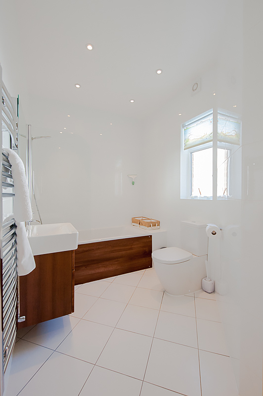Master bathroom 1 .jpg