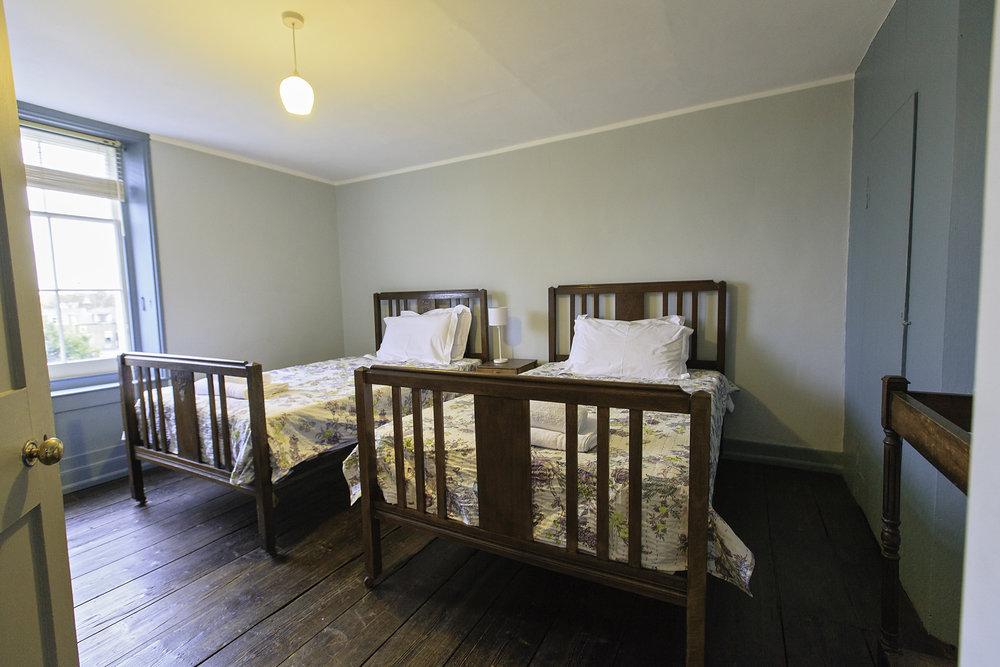 Fifth bedroom.JPG