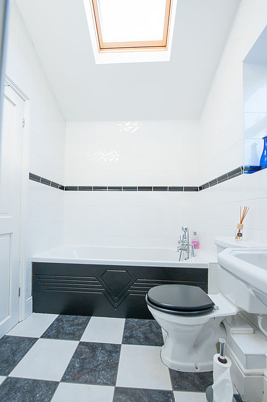 SR bathroom .jpg