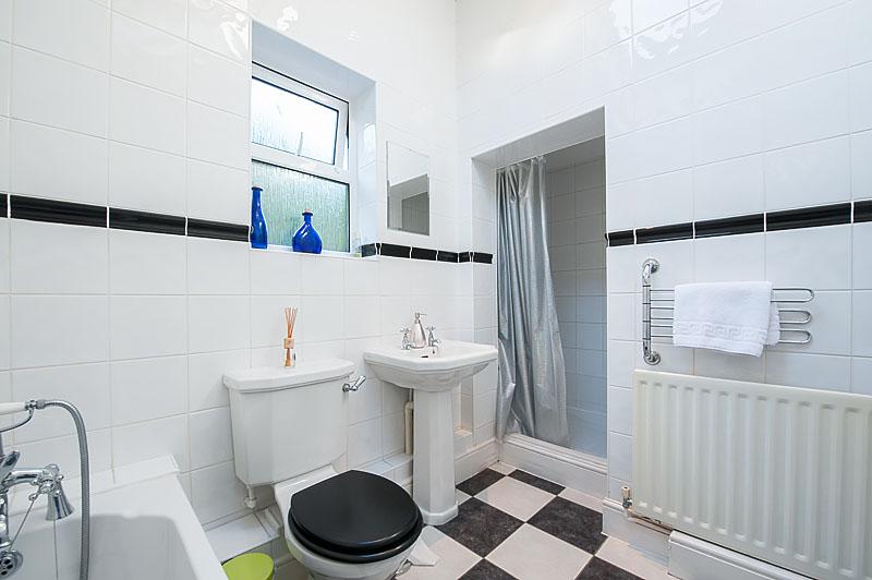 SR bathroom 1.jpg