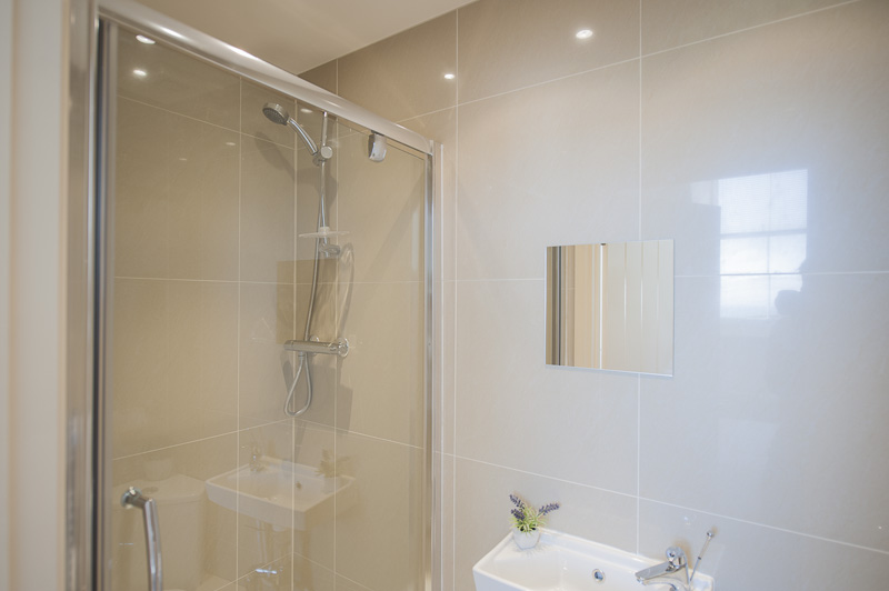 UP Third bedroom ensuite.jpg