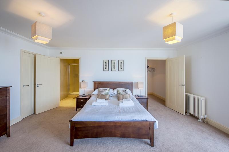 JL master bedroom 1.jpg