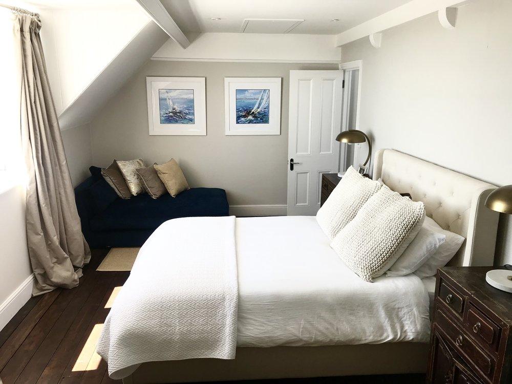 11. Master Bedroom.jpg