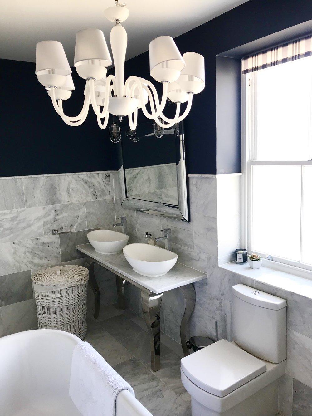 18. Bathroom.jpg