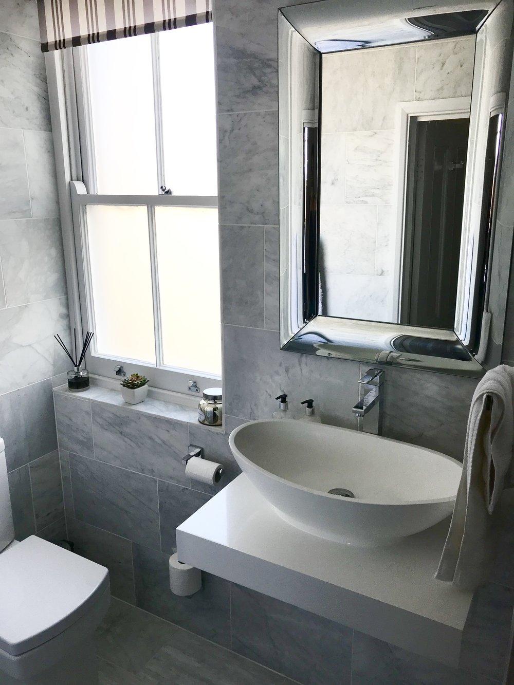 19. Shower room.jpg