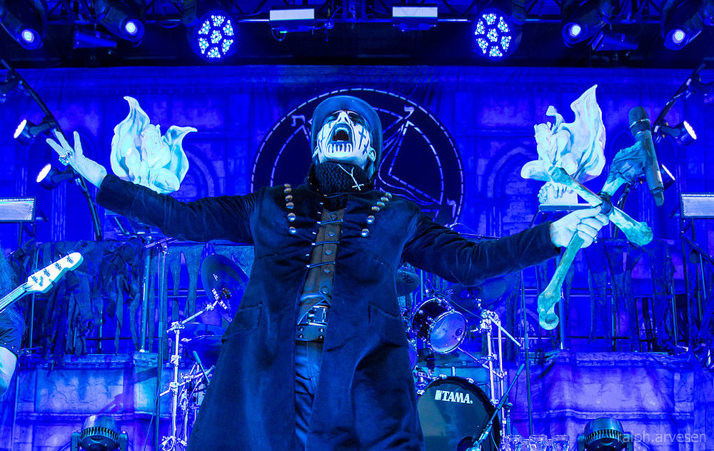King Diamond  (Photo: By Ralph Arvesen [CC BY 2.0 (https://creativecommons.org/licenses/by/2.0)], via Wikimedia Commons