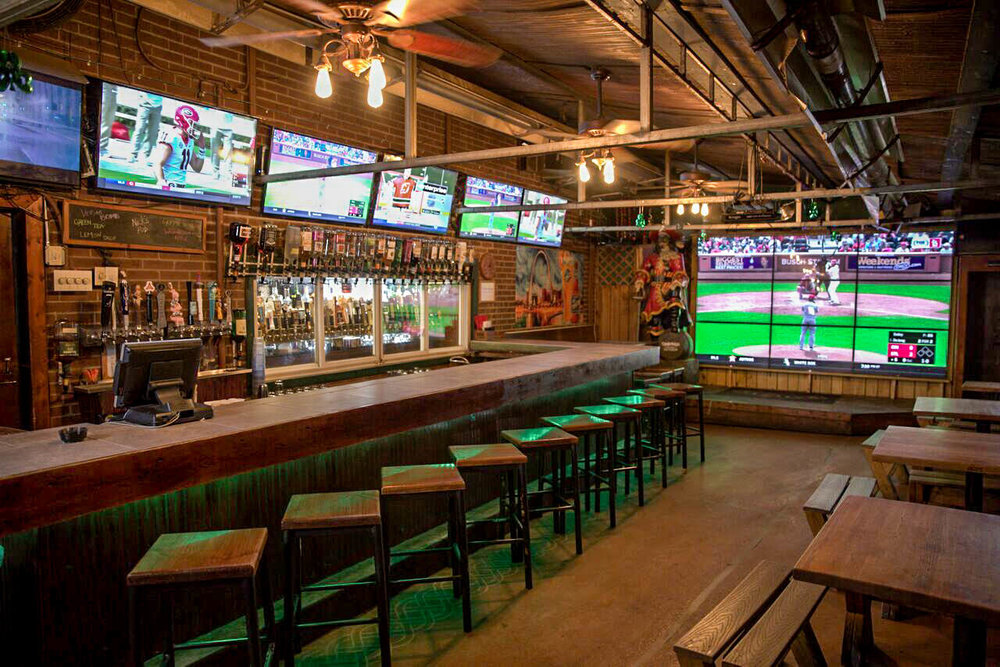 Cardinals Back Bar TV (1).jpg