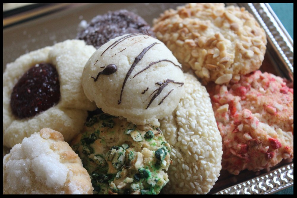 Italian Cookies - Almond paste cookies, biscotti and many others. Sold by the pound.