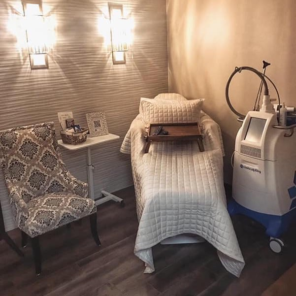 "We talk a LOT about our Man Cave because we know that men a generally hesitant to participate in many things ""aesthetics""....however we have spent just as much time and effort to make sure our ""Queens"" get the same kind of love.  Ladies this space is made for you.  #sanantoniomoms #sanantoniobloggers #samomblogger #coolsculpting #sheshed  #coolsculptingpro #allergan #top100"