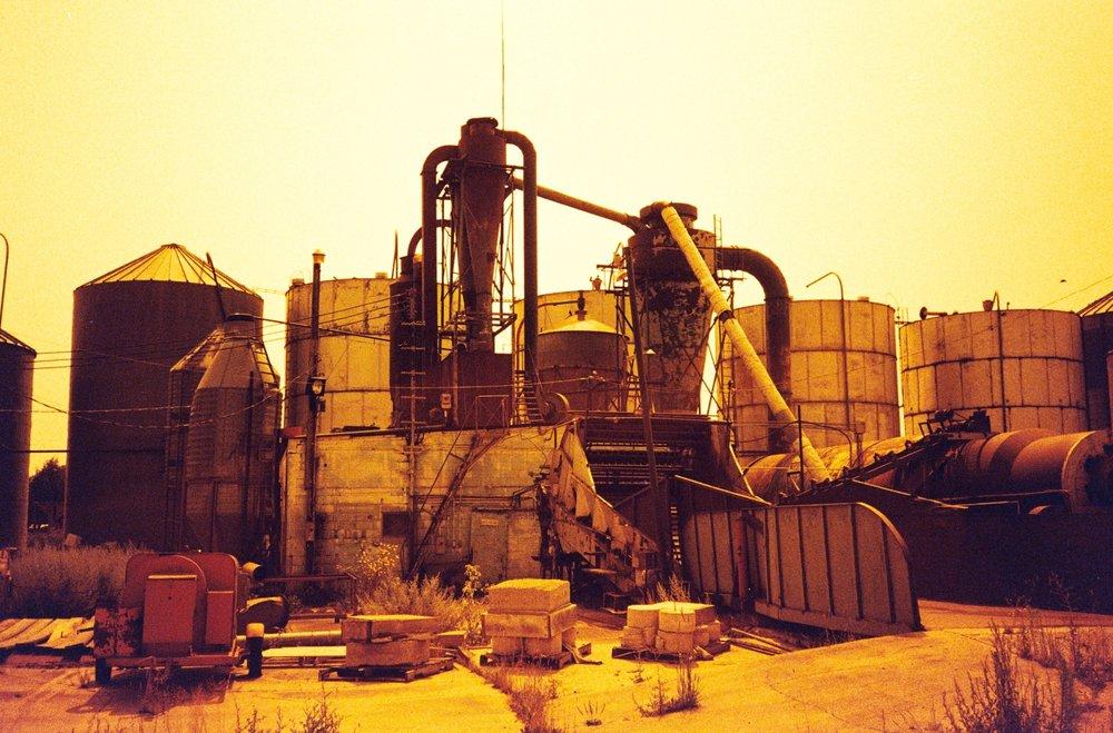 r2eICxURliROas1Xfi4A_full_industrial%20redscale%20one.jpg