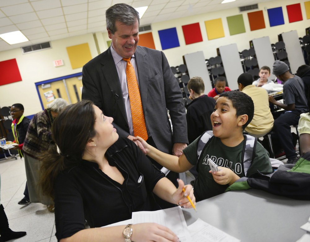 "Mayor Karl Dean visits students in the ""Hot Meals"" Afterschool Program at Apollo Middle School November 20, 2013 in Nashville, Tenn."