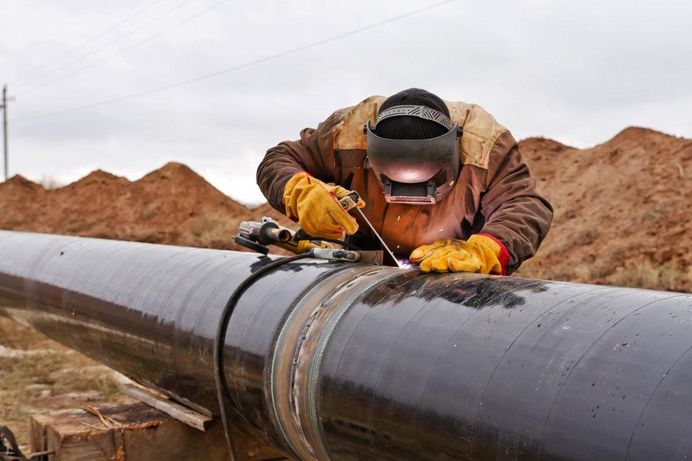 melgaard-construction-pipeline-welding.jpg