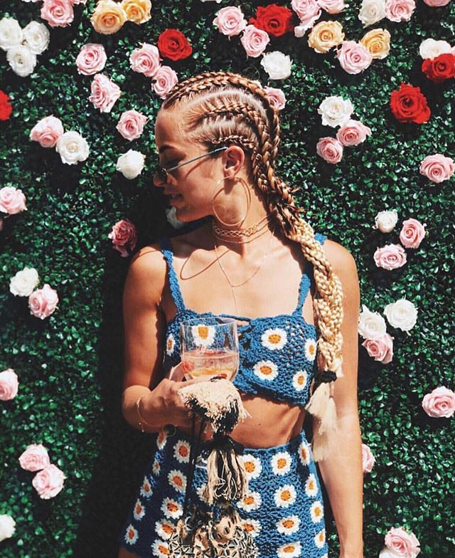 Flowers are a girl's best friend 🌺🌸🌷 #braidstyles #braidinspo