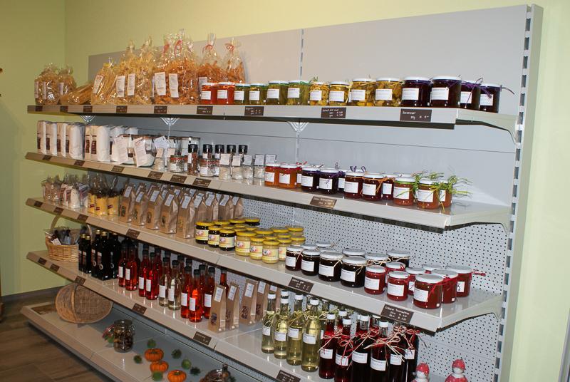Produkte aus der Region - Pouletfleisch, Teigwaren, Tee, Mehl, Rapsöl, Hofglacé, Honig & Geräuchertes