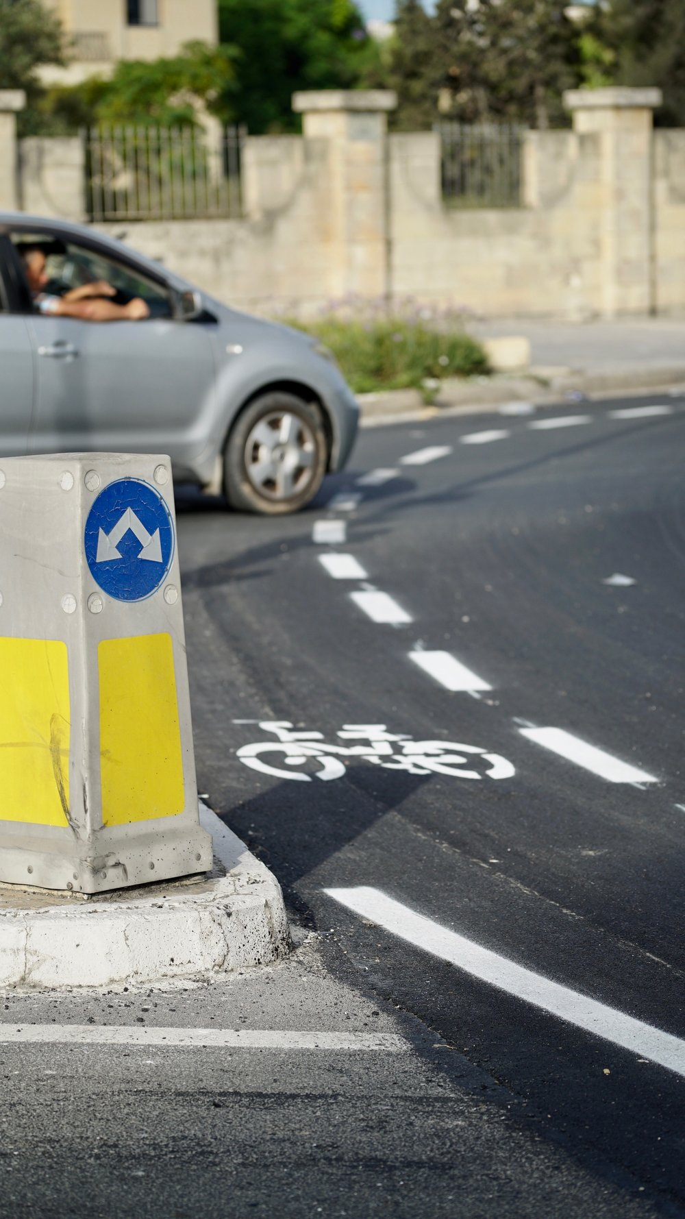 It is unclear who shall have right of way in the new bicycle roundabout lanes designed by Infrastructure Malta. Our proposals to shift bicycles away from the car lanes outside the roundabouts so far have not been taken up.