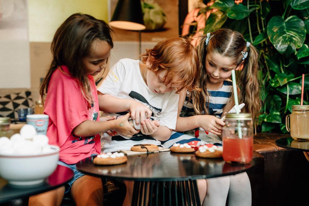 Lebkuchen - Am 2. Adventssonntag wird das IRO zur Zuckerbäckerei von 14.00 - 17.00 Uhr. Komm vorbei und verziere mit uns leckere Lebkuchen.