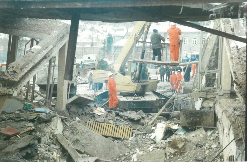 Spitak volunteers working after an explosion in Jermuk.