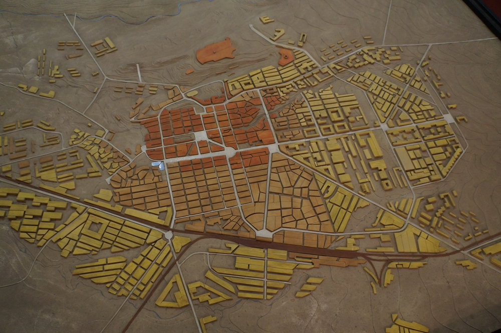 Տարիների ընթացքում Գյումրու ընդարձակման քարտեզը: Կարմիր գույնը ներկայացնում է քաղաքի հին հատվածը, իսկ դեղինը ցույց է տալիս ընդարձակումը: