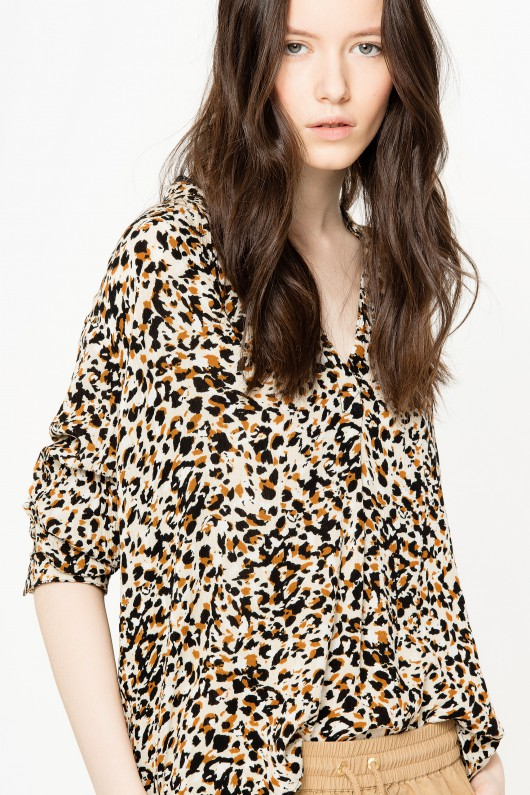 leopard printed tunic - Stay on top of the style game with this elegant leopard printed tunic.