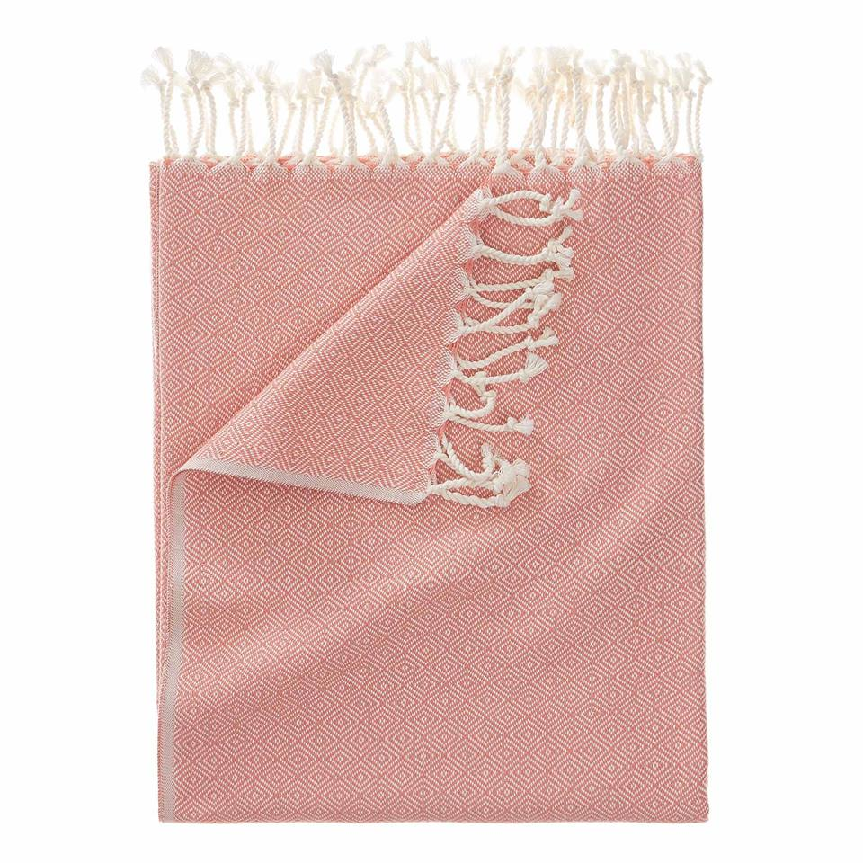 CESME HAMMAM TOWEL - Made in the birthplace of the Turkish bathhouse, this hammam towel is crafted using 100% cotton.