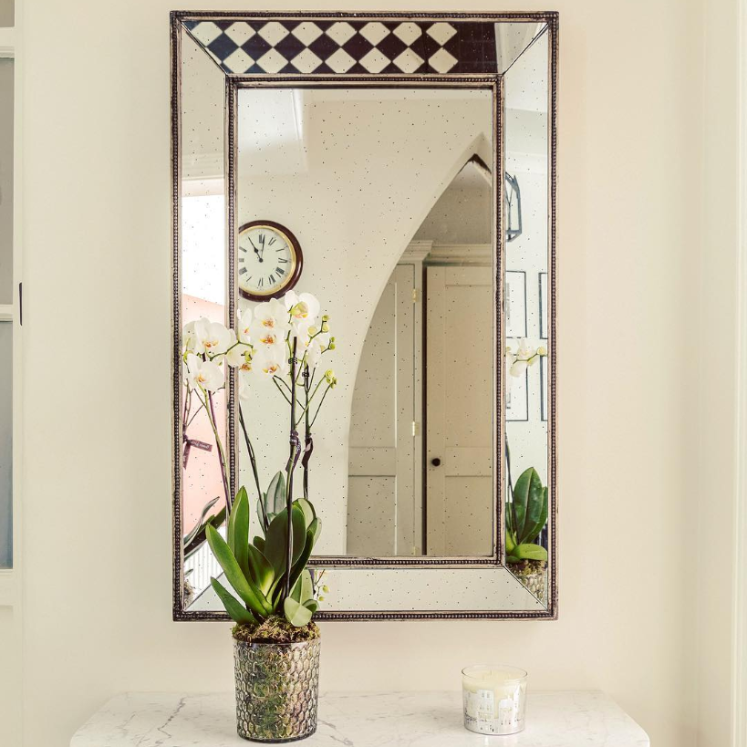 Making for a statement - A well-placed mirror can completely transform a room, creating the illusion of extra space and amplifying natural light. But that's not the only reason why wall mirrors are popular in the home. As much as many of us hate to admit it, we all like to look at ourselves every once in a while, even if it's just a quick check before dashing out the door.