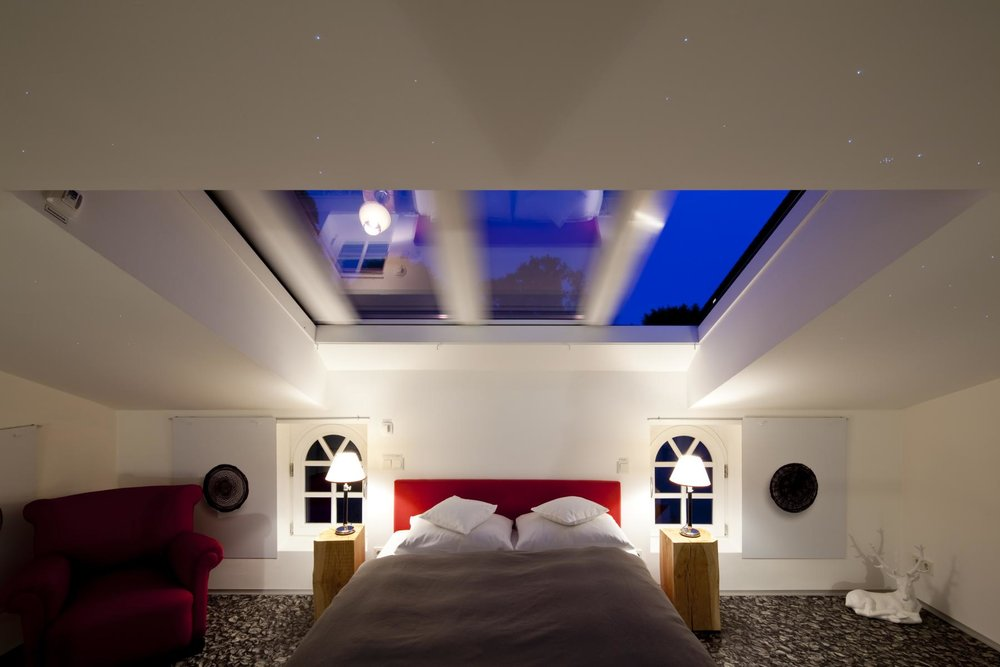 Ein Bett – auf Wünsch unter freiem Himmel (Copyright: Schloss Hertefeld)