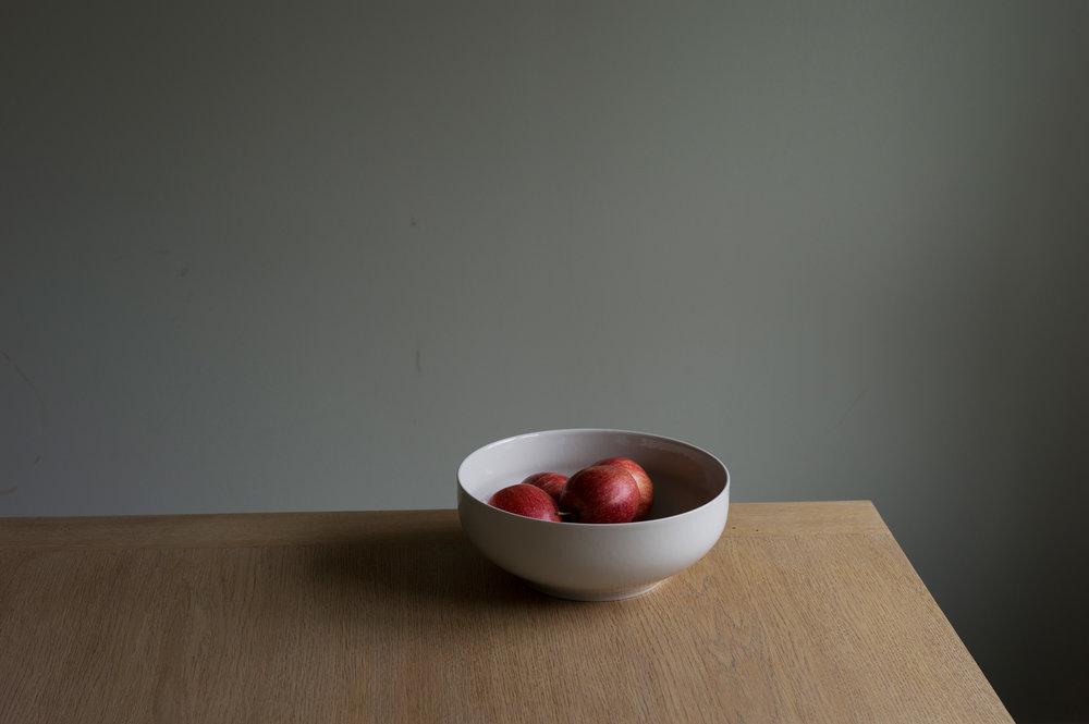 Ditt bord, mine epler.  Courtesy of Morten Andenæs and Galleri Riis, Oslo
