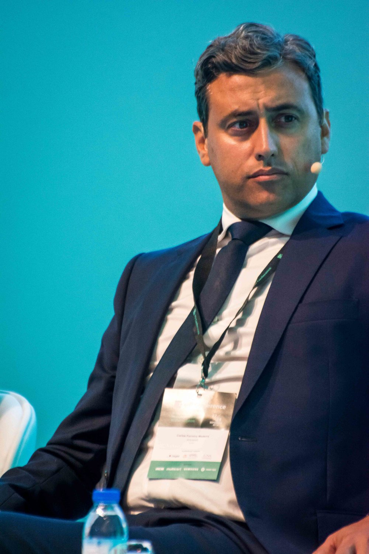 Carlos Ferreira Madeira, Moderator