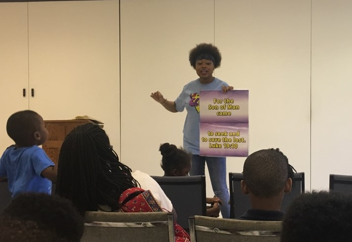 Mioshey Collins teaches memory verse a  5-Day Club®  partnering with Taylor Road Baptist Church in Montgomery, Alabama.