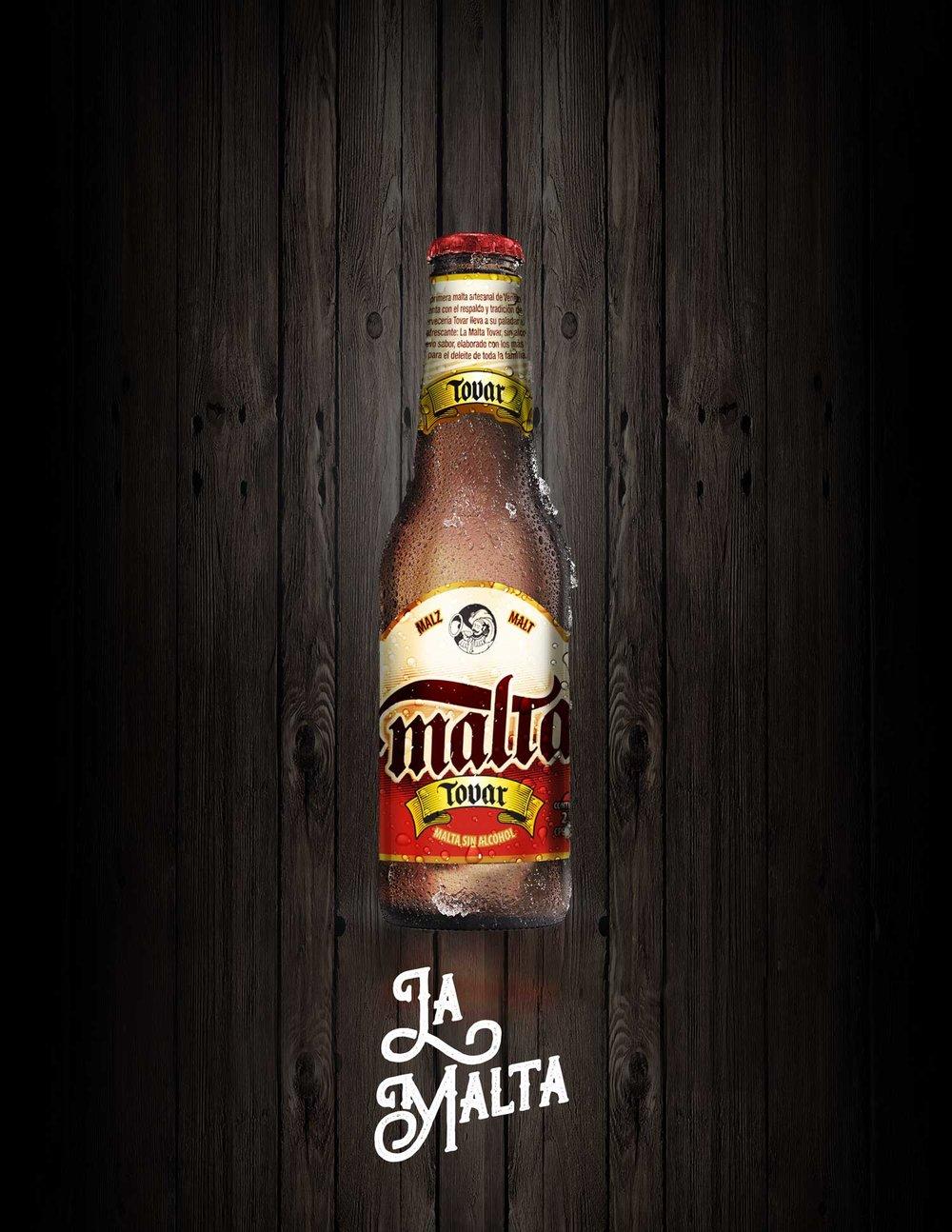 botellas-solas-fondo-madera-malta.jpg