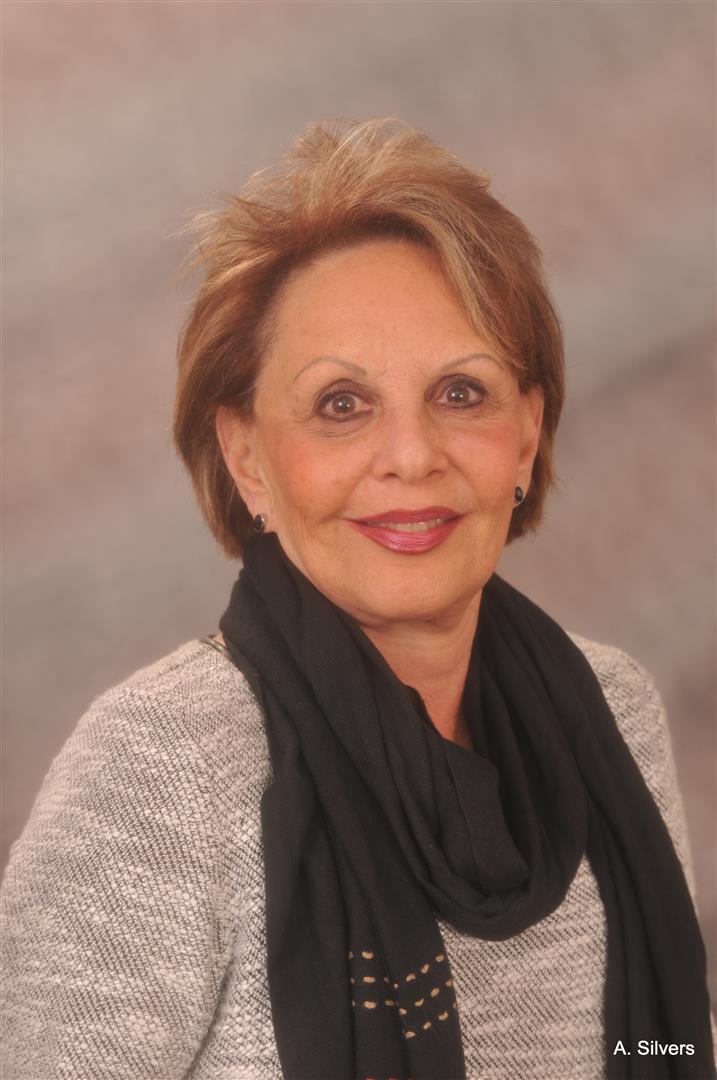 "Barbara ""Bobbi"" Lipson  Realtor Associate  C: 609.665.0317 O: 609.822.3300  seashorehomes@yahoo.com"