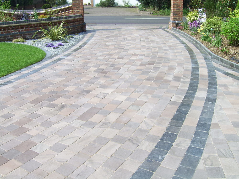 NATURAL SANDSTONE BLOCK PAVING lower barn farm