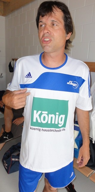 Lars im neuen Dress 2011.JPG