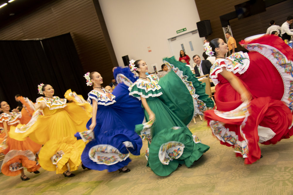 bailes2.jpg
