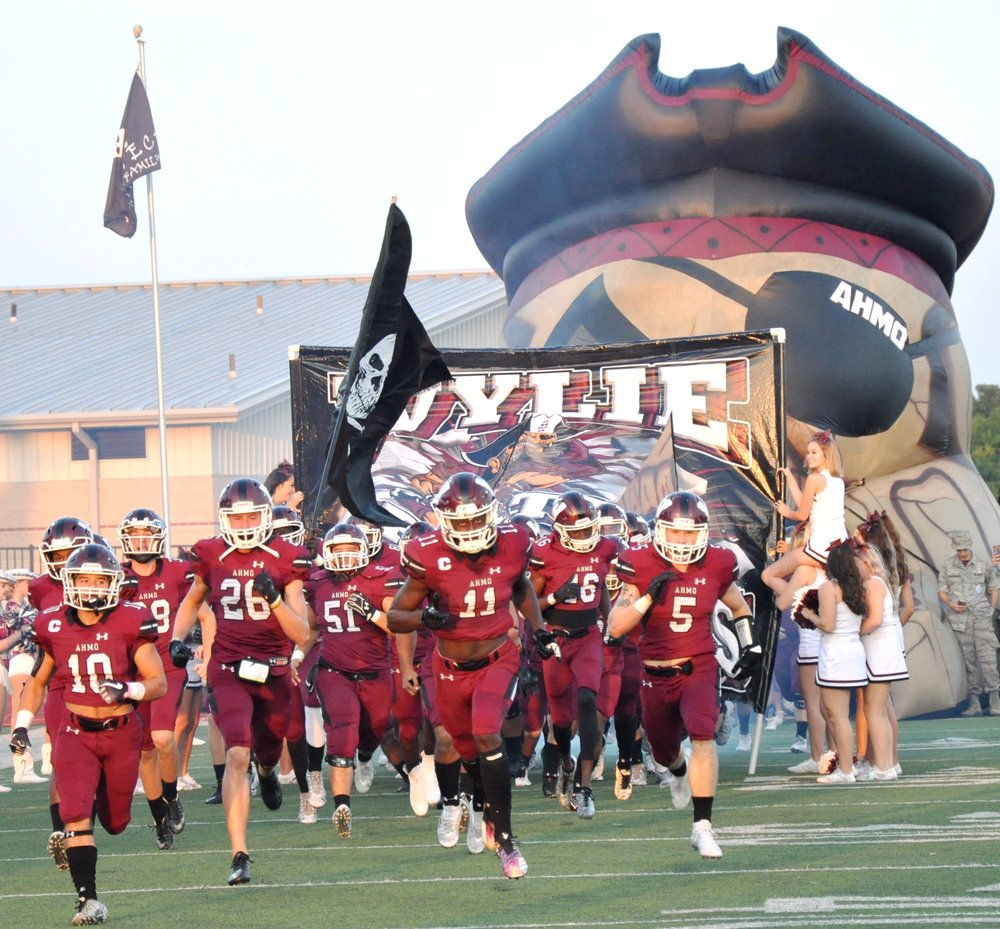 Wylie Pirates take the field against Garland Owls.