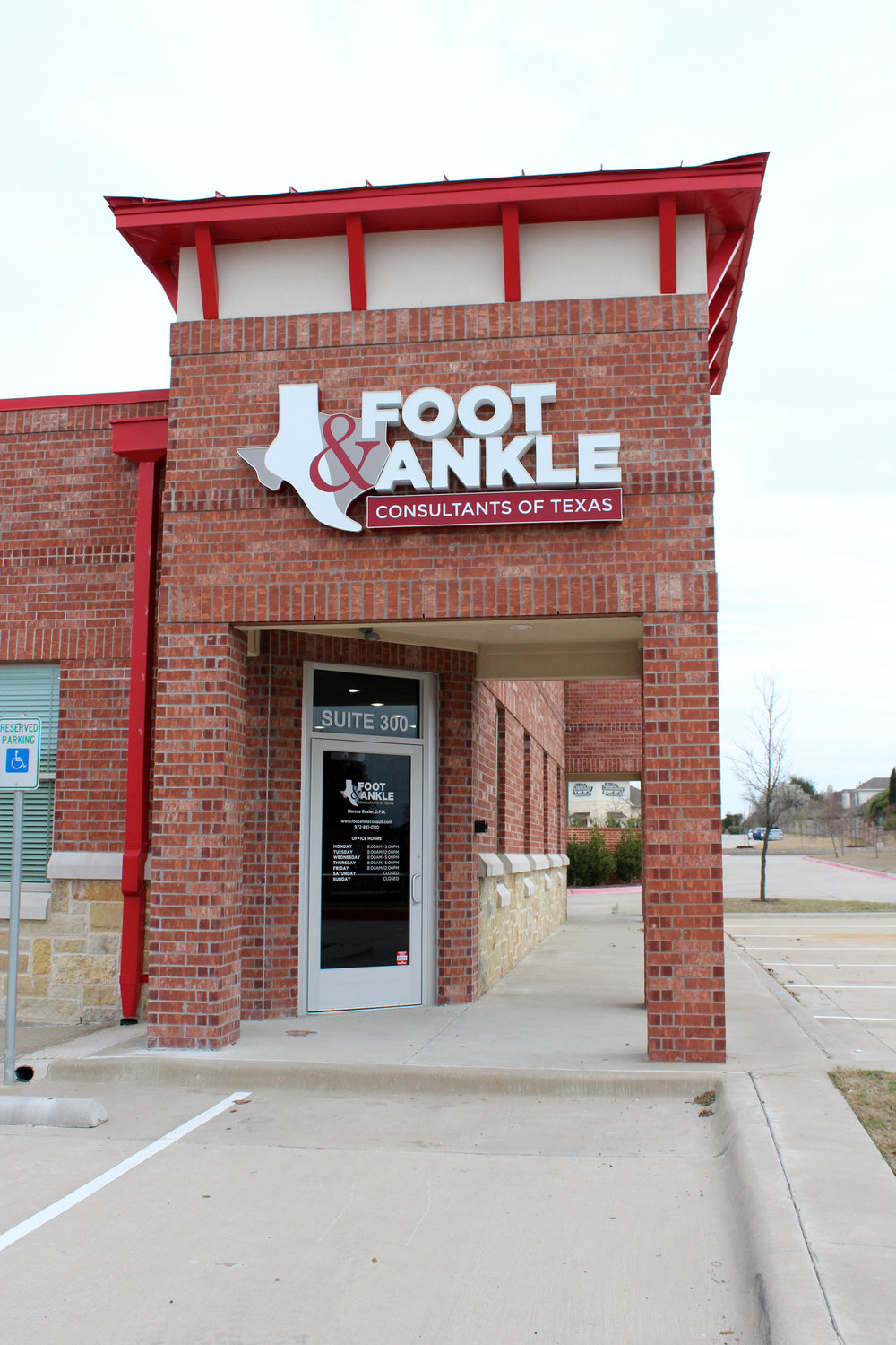 Foot & Ankle Consultants of Texas opened on Feb. 4, 2019.
