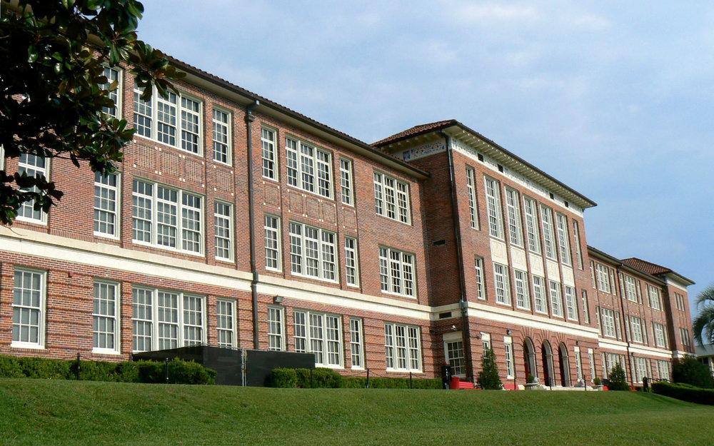 leon-high-school-building-in-tallahassee-florida.jpg