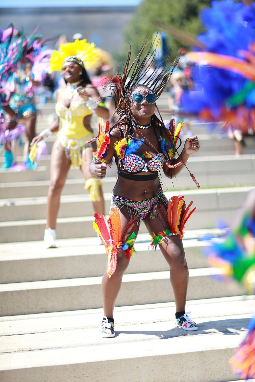 caribbean-costume-2801438_1920.jpg