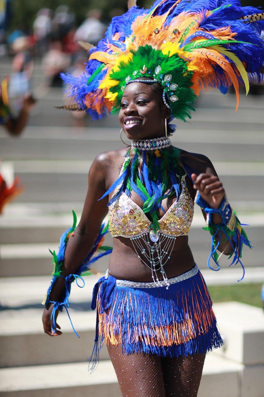 caribbean-costume-2801458_1920.jpg