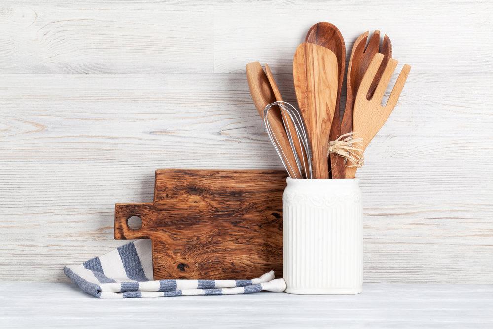 kitchen-utensils-PV2KJDY.jpg