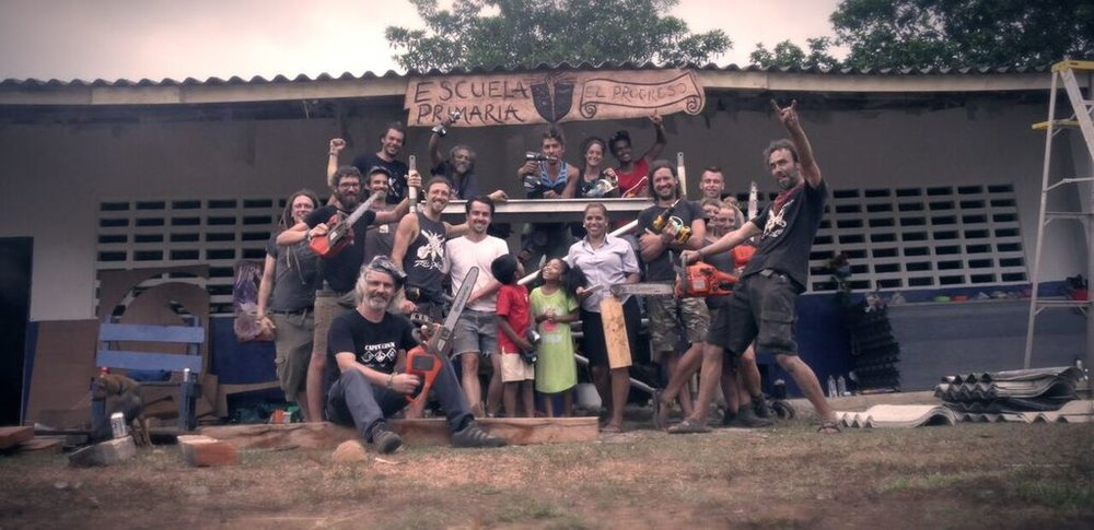 <p><strong>Volunteer program:<br><i>Creation of a community center for the Embera tribe</i></strong><a href=community-center>More →</a></p>