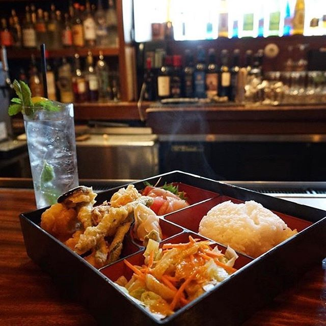 Lunch #bento sashimi mixed with #tempura paired with a #Mojito  Life doesn't get much better than this 🍱  #regram @minalovelove