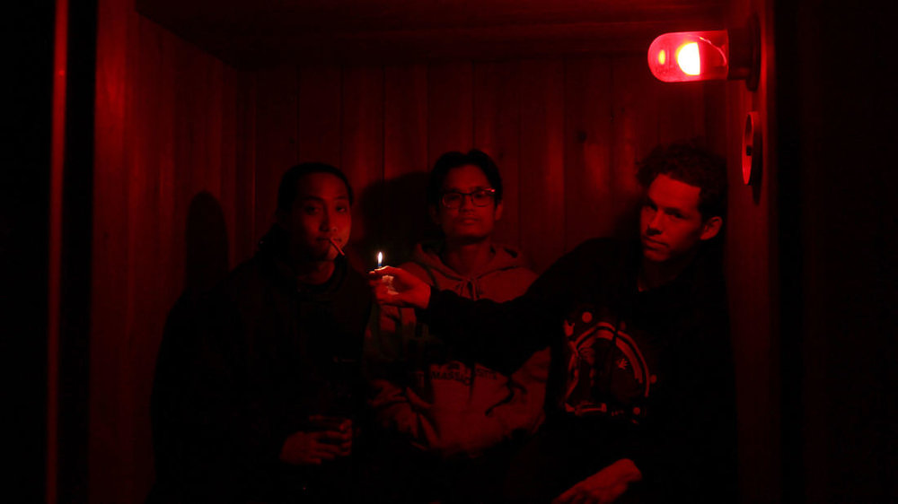 Ivory Waves (Winnipeg, MB) - These four young city cats have teamed up to lay down some slick indie R&B that will make your body want to move. A bubblegum groove in a bowl of Jello, your youthful soul will be satisfied with just the right amount of sensual tension to keep you gasping for air.