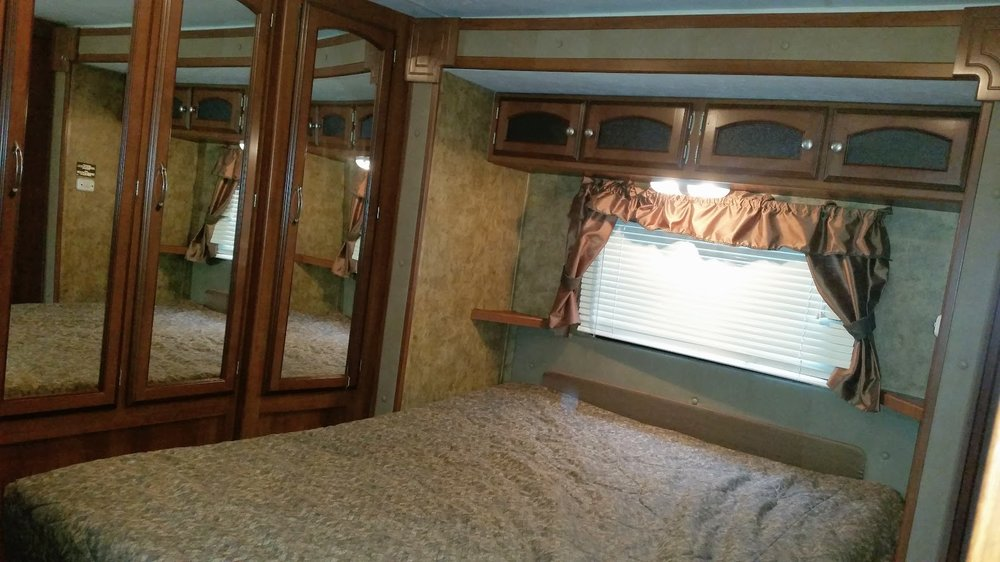 2013 Coachmen Freedom - Inside#3.jpg