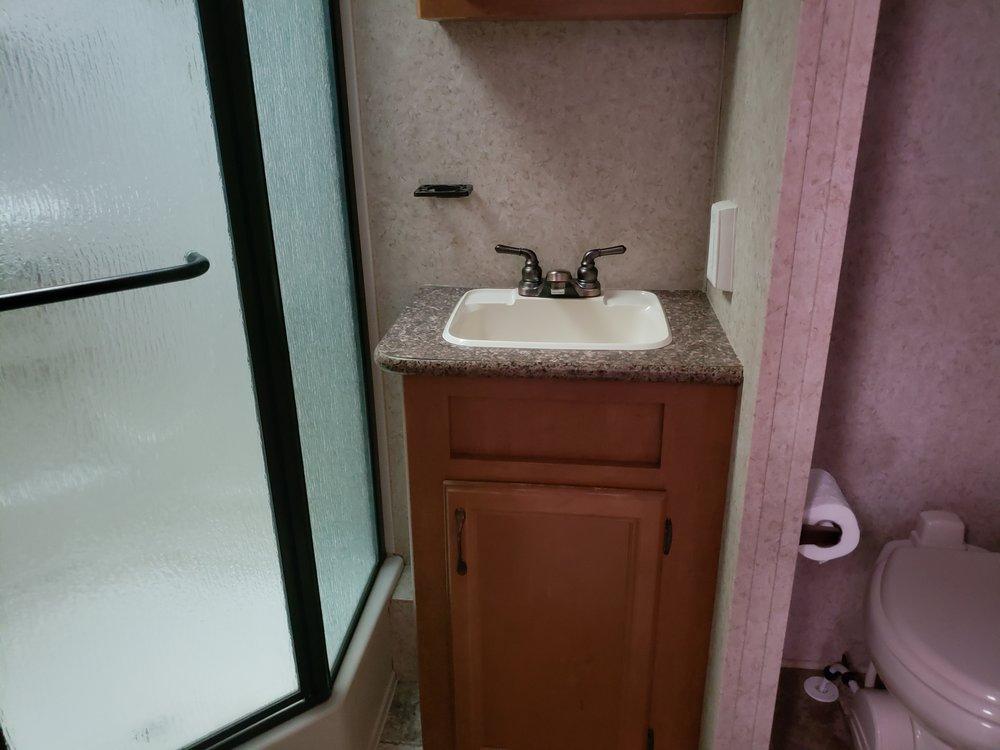 2012 Evergreen - Bathroom.jpg
