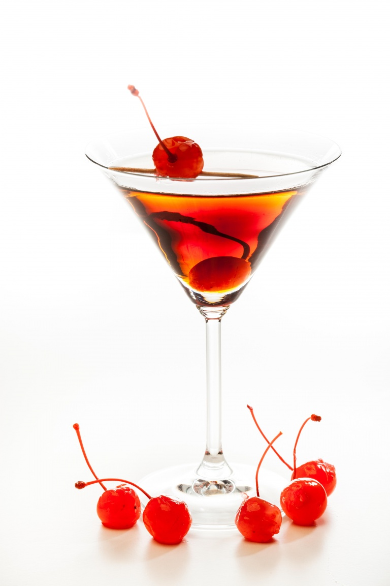 1397-manhattan-cocktail-cherry-mixing-drink-best-cockctail-recipe.jpg