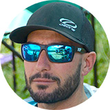 Founder of Fly the Apennines, cross country instructor, tandem and Paragliding World Cup competition pilot. Also speaks Italian, English, French, Spanish, Greek and German.