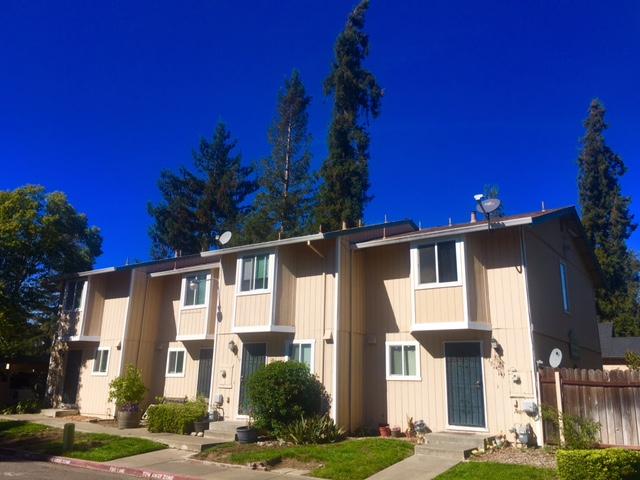 Walnut Grove, Santa Rosa
