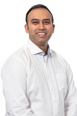 AMARDEEP KHASARIYA - FOOD & BEVERAGE SERVICE MANAGER