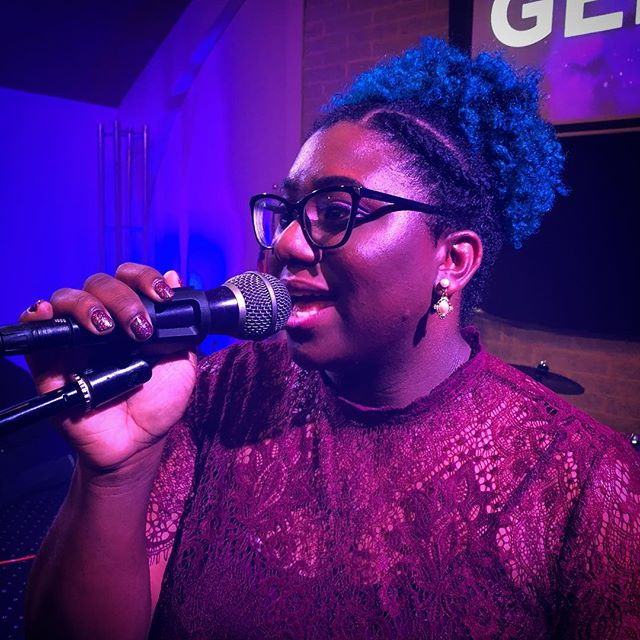 Ladies and gentlemen... Alexis Gerald.  ________ 📣 If you haven't heard her amazing voice yet, you are missing out. Follow her at @_loveyoulex_ . Her new album is coming out soon and it is 🔥🔥🔥